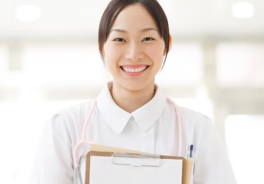 女性看護師(ナース)を口説くのは簡単!?入院患者が連絡先交換やデートに誘う方法